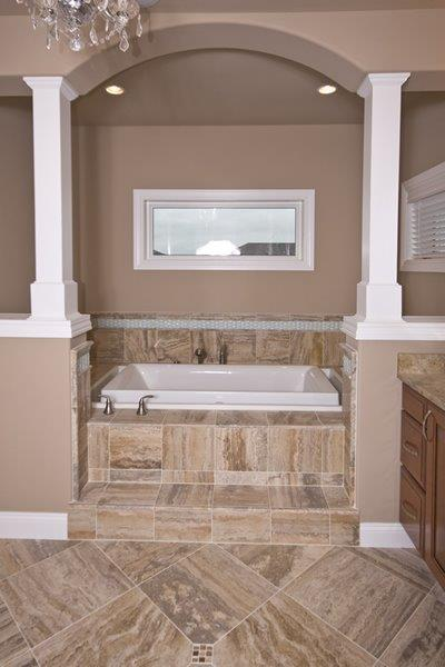 1_Hawks_Ridge_Master_Bath_31